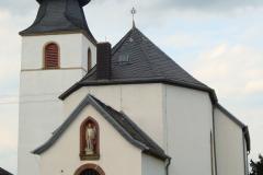 St Remigius Blick v Friedhof